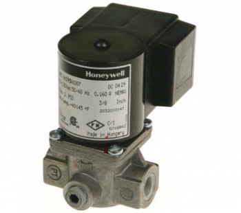 "Honeywell V8295A1057 Solenoid Valve 24V Normally Closed 2psi 1-1/2"" NPT"